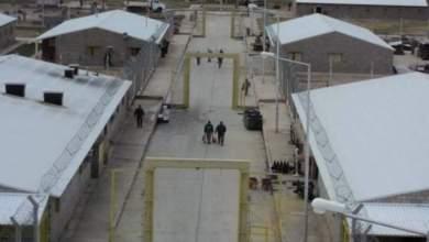 Photo of Denuncian motín en la cárcel y presos desfigurados a golpes por la policía