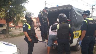 Photo of La policía detuvo a 300 personas más por incumplir el aislamiento