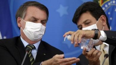"""Photo of Después de hablar del coronavirus, a Bolsonaro le llegó el """"karma""""."""