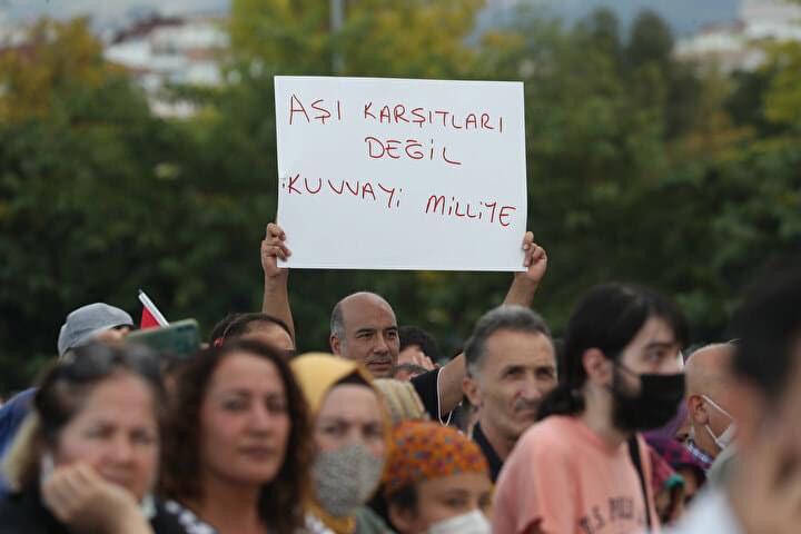 أتراك يرفضون اجراءات الحكومة المتعلقة بكورونا