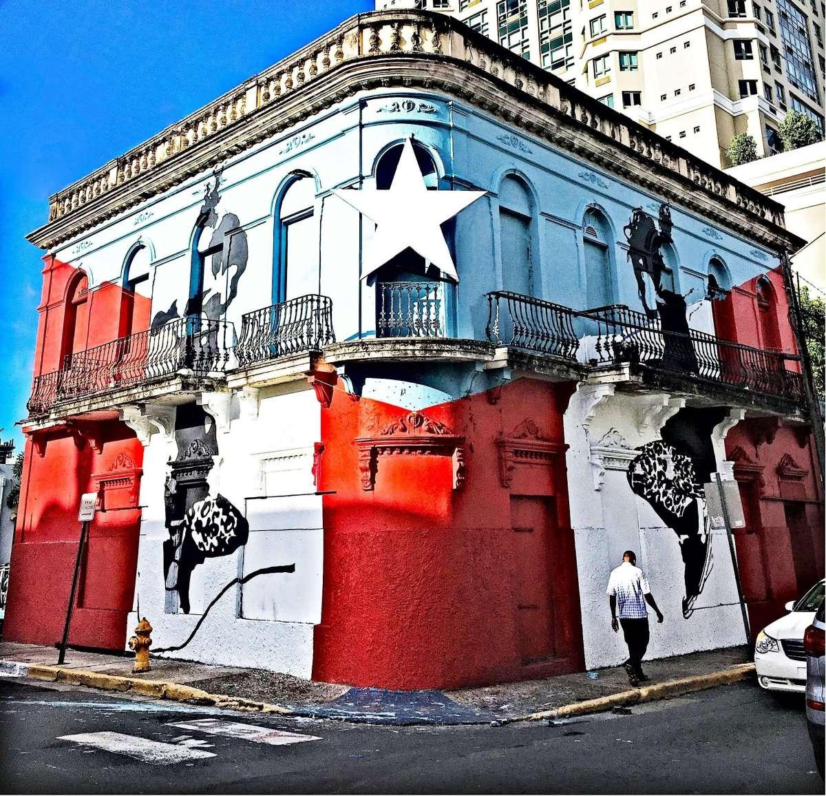 Una Pregunta Más…a Abey Charrón Walker, el fotógrafo que humaniza los muros y las paredes
