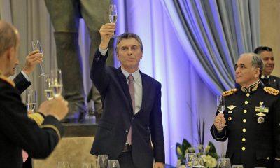 Macri brindó con militares saldar la deuda histórica con las Fuerzas Armadas