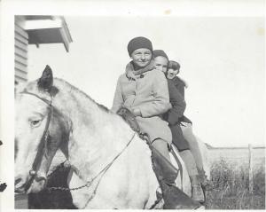 mom horse school 1939