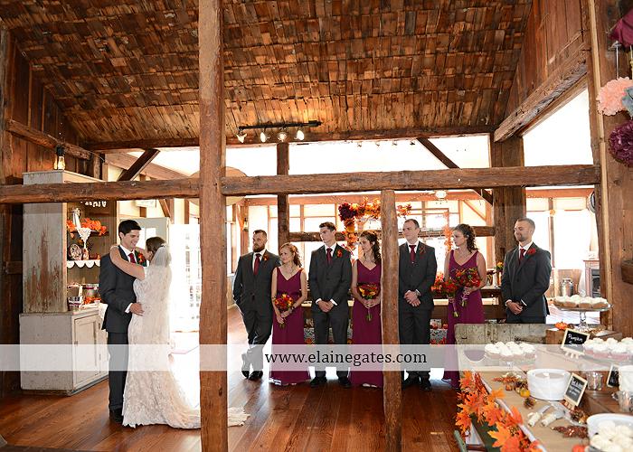 McCullochs Highland Vue Farm wedding photographer central