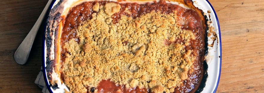 roasted rhubarb crumble