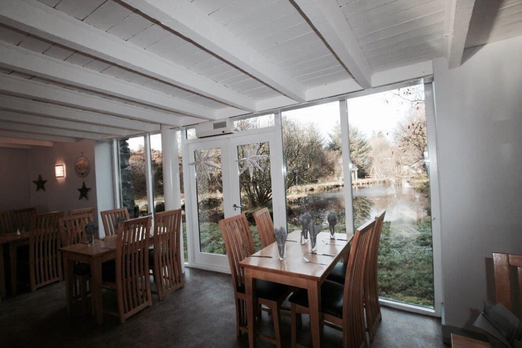 elainesrovesntroves-an-creagan-restaurant-interior