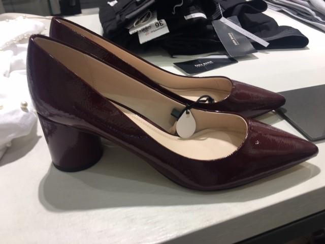 burgandy round heel shoes zara