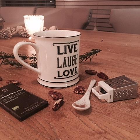 hot-chocolate-elainesrovesntroves feature image
