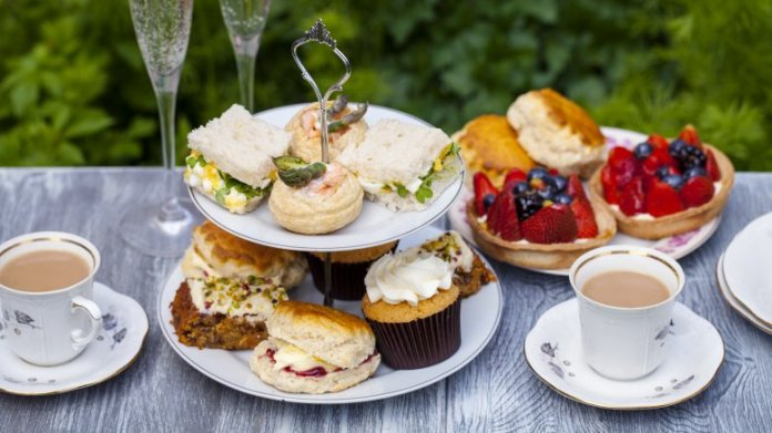a-not-so-simple-afternoon-tea-1519406605