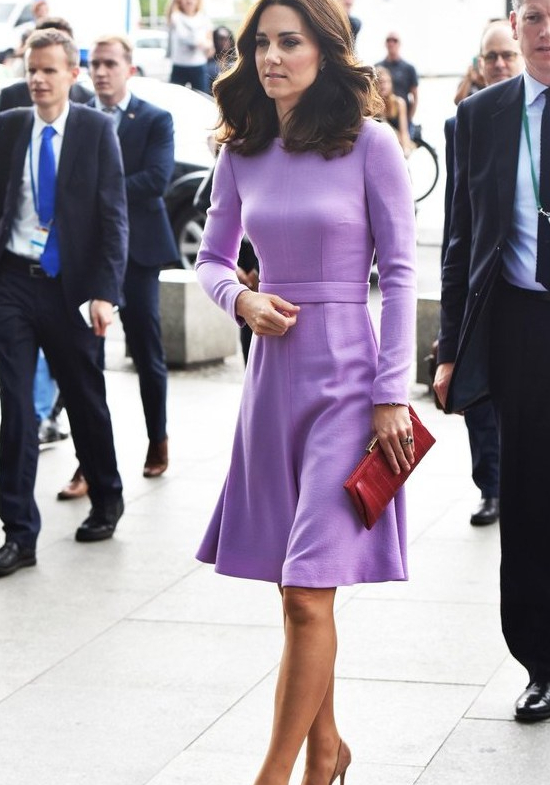 Color Me Kate! How the Duchess of Cambridge Accessorizes Her Outfits 1