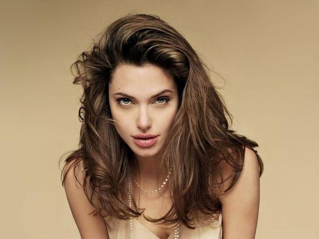 20 Cele mai frumoase femei din lume 11