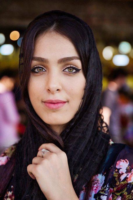 Mihaela Noroc și frumusețea feminină în întreaga lume 9