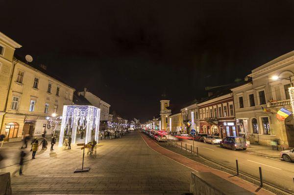 Cluj Napoca se transformă radical: străzi iluminate cu wifi şi bănci cu încărcare USB a telefoanelor 1