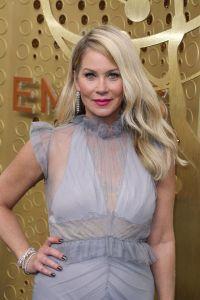 Christina Applegate, o prezență deosebită la Premiile Emmy
