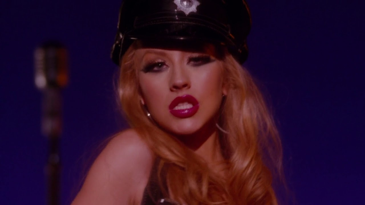 Christina Aguilera-Something's Got a Hold On Me (Burlesque)