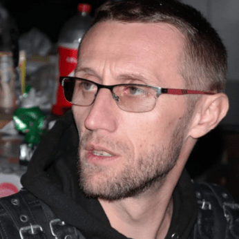 Un motociclist a murit după ce a împărțit ajutoare românilor izolați la domiciliu 3