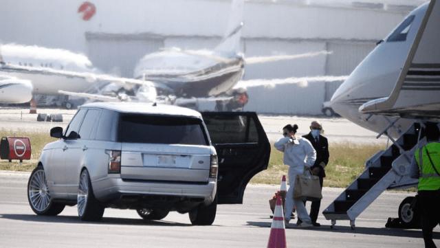Kim Kardashian jets back home ALONE after crisis talks with Kanye West left her in tears 5