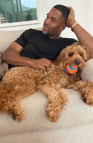 """Best star snaps of the week:Reese Witherspoon makes """"quarantine fun"""" with bubbles and Michael Strahan relaxes with his 4-year-old pup 7"""