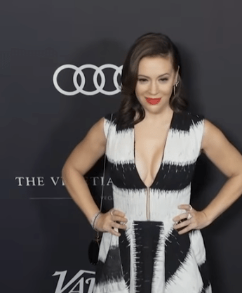 Mărturia șocantă a actriței americane Alyssa Milano  despre infecția cu COVID-19 prin care a trecut 7