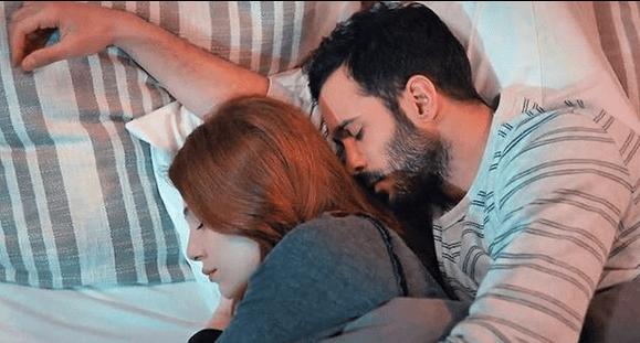 6 Secvențe Video din Kiralik Așk cu Barıș Arduç și Elçin Sangu.Un serial fascinant! 15