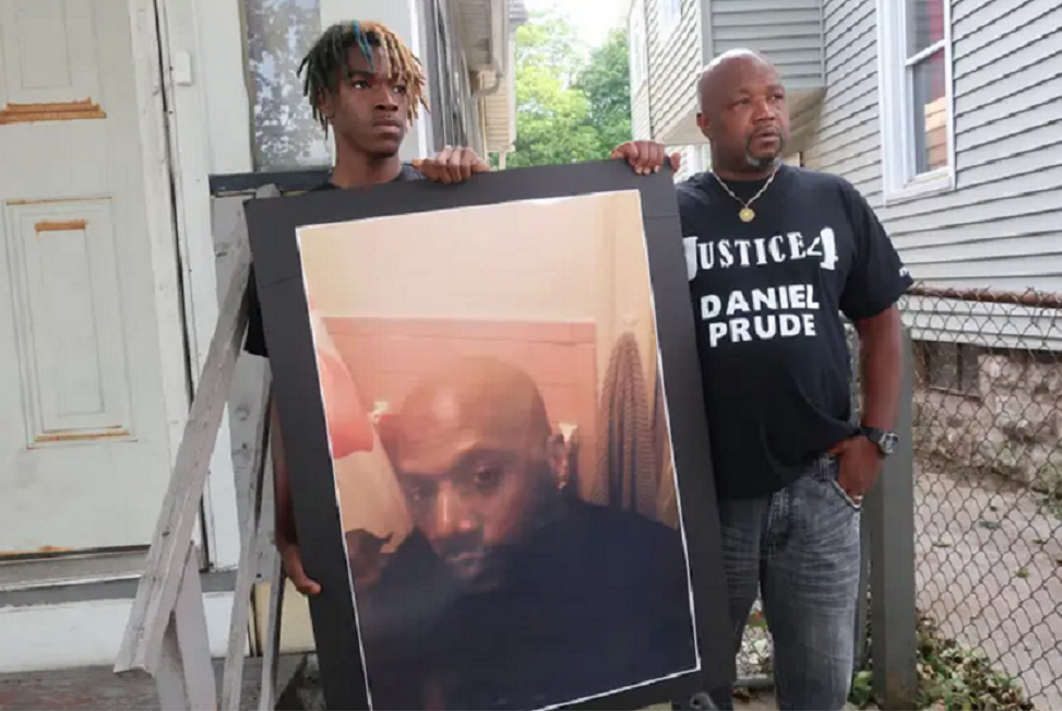 Daniel Prude's family called the police to help with his mental health crisis: 'I didn't call them to come help my brother die'