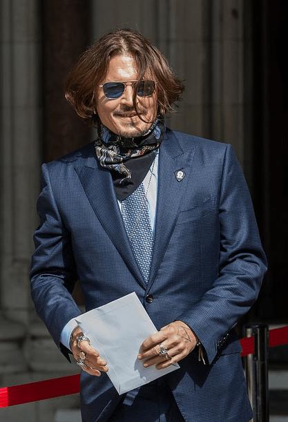 Amber Heard se opune cererii lui Johnny Depp de a întârzia procesul lor de defăimare de 37 de milioane de lire sterline 4