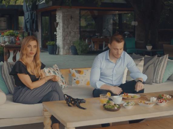 Episodul 11 din Sen Çal Kapımı (Bate la ușa mea) cu Hande Erçel și Kerem Bürsin. Secvențe Video 7