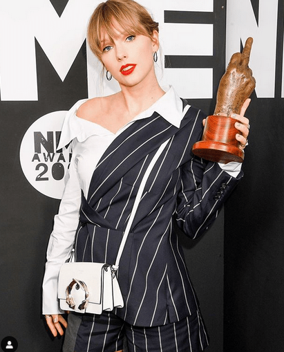 Taylor Swift to perform 'Betty' at the 2020 ACM Awards 5