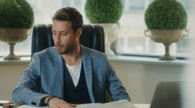 Episodul 1 din İyi Günde Kötü Günde (Zile bune, zile rele) cu Elçin Sangu,Yasemin Allen și Ozan Dolunay. Secvențe Video 14