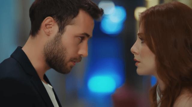 Episodul 1 din İyi Günde Kötü Günde (Zile bune, zile rele) cu Elçin Sangu,Yasemin Allen și Ozan Dolunay. Secvențe Video 18