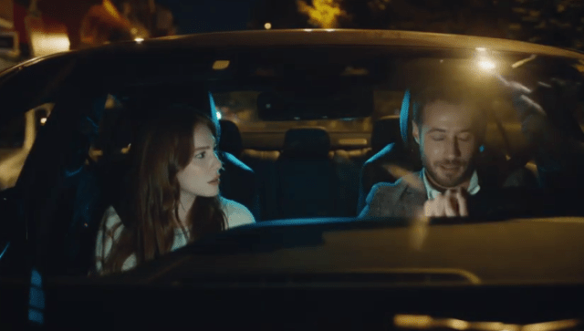 İyi Günde Kötü Günde (Zile bune, zile rele)-Episodul 2 cu Elçin Sangu,Yasemin Allen și Ozan Dolunay. Secvențe Video 22