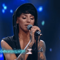 "Cristina Gheorghe, 28 ani, pe scena X Factor cu piesa ""We Don't Have to Take Our Clothes Off"""