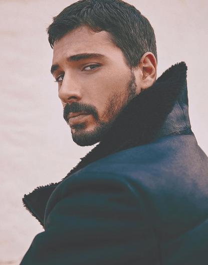 Deniz Can Aktaş, 27 de ani, unul dintre actorii favoriți din Menajerimi Ara (Sună-mi impresarul) 12