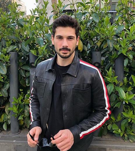 Deniz Can Aktaş, 27 de ani, unul dintre actorii favoriți din Menajerimi Ara (Sună-mi impresarul) 7