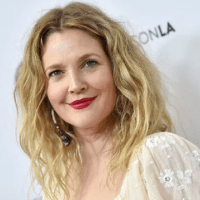 Psychic summons Drew Barrymore's dead relative, who is still very much alive