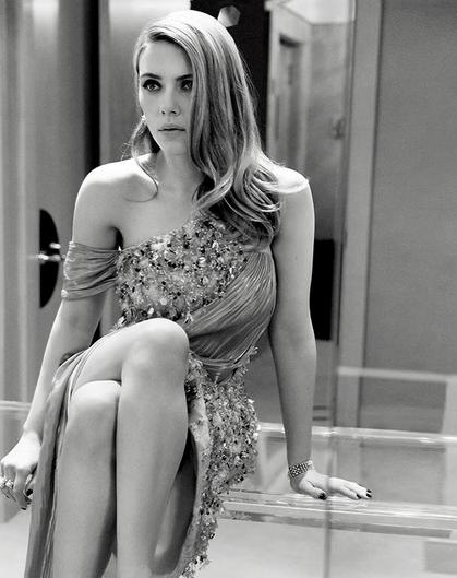 Actrița Scarlett Johansson, 35 ani, s-a căsătorit cu Colin Jost, 38 ani.Evenimentul a avut loc într-o ceremonie restrânsă 2