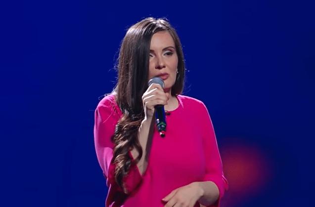 Simona Smultea, 32 ani, pe scena X Factor. Jurații au fost fascinați de optimismul și prestația ei 4