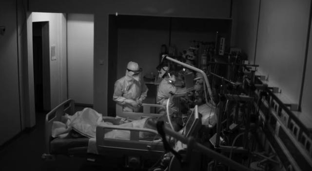 Actorul Benedict Cumberbatch, alături de artişti români, prezintă în proiecţii uriaşe lupta medicilor români cu virusul ucigaş 5