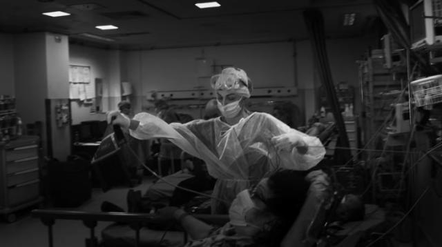 Actorul Benedict Cumberbatch, alături de artişti români, prezintă în proiecţii uriaşe lupta medicilor români cu virusul ucigaş 14