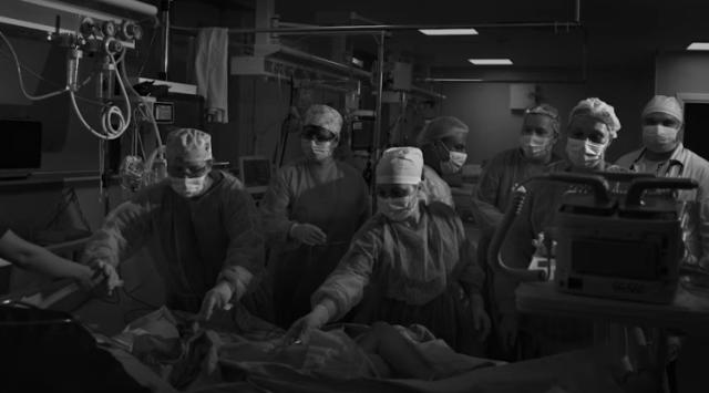 Actorul Benedict Cumberbatch, alături de artişti români, prezintă în proiecţii uriaşe lupta medicilor români cu virusul ucigaş 7
