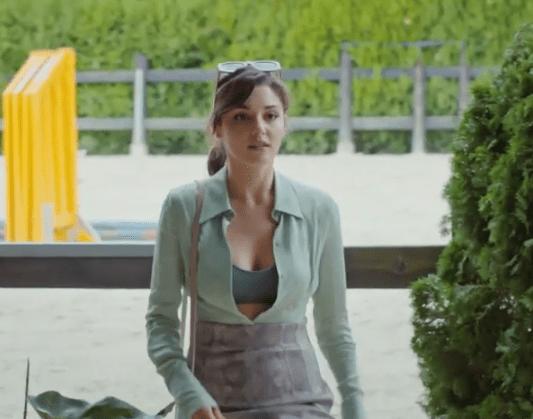 Episodul 12 Sen Çal Kapımı (Bate la ușa mea) cu Hande Erçel Și Kerem Bürsin.Secvențe Video 10