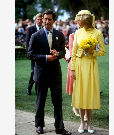 """8 costumes from """"The Crown"""" inspired by Princess Diana's best fashion moments 9"""