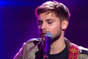 """Dueluri X Factor:Adrian Petrache cântă piesa """"Puteri asupra mea"""""""