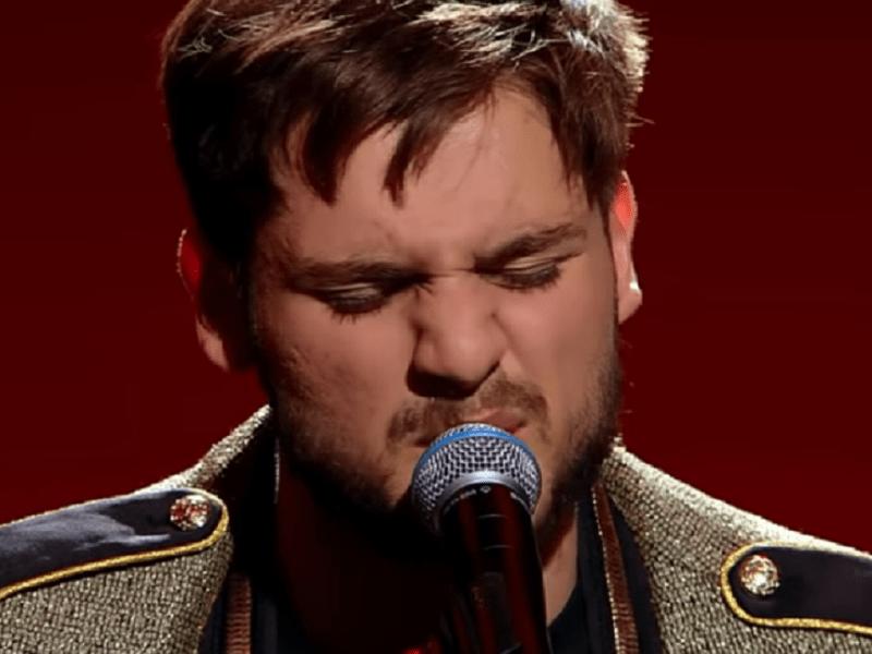 """Semifinala X Factor:Adrian Petrache, emoție pe scenă cu piesa """"Les Yeux De La Mama"""" 2"""