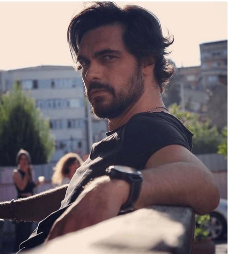 Cine este Halil Ibrahim Ceyhan, actorul din serialul Emanet? 9