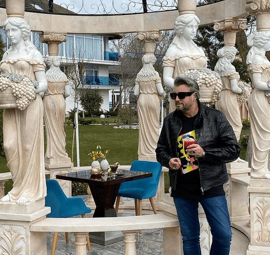 Designerul Cătălin Botezatu, operat de 2 ori de cancer la colon 7