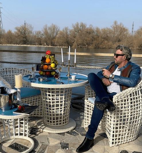 Designerul Cătălin Botezatu, operat de 2 ori de cancer la colon 4