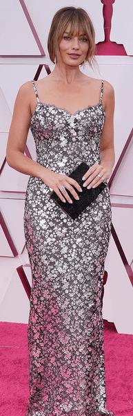 Covorul roșu Premiile Oscar 2021: cele mai bine îmbrăcate vedete 5