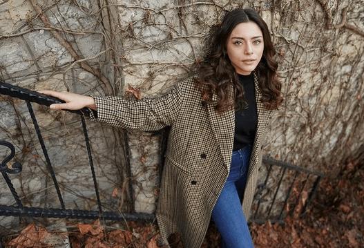 Sila Türkoğlu, actrița din Emanet: ce ar trebui să știm despre ea? 11