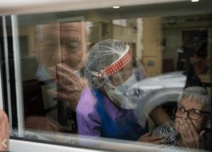 Spania:Povestea impresionantă a doi soți de 90 de ani în pandemie